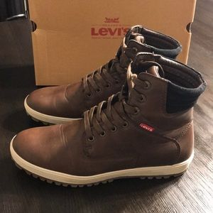 Levi's men's high top sneakers tennis shoes sz 10